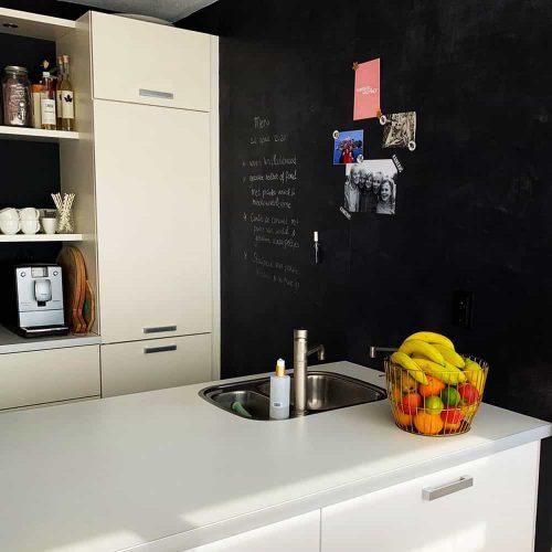 magneetbehang_zwart_muur_keuken